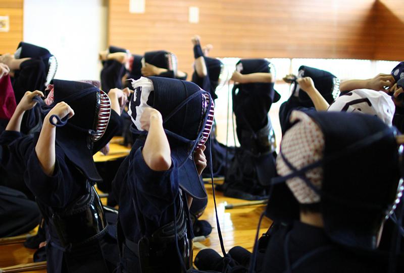 剣道場の子供たち